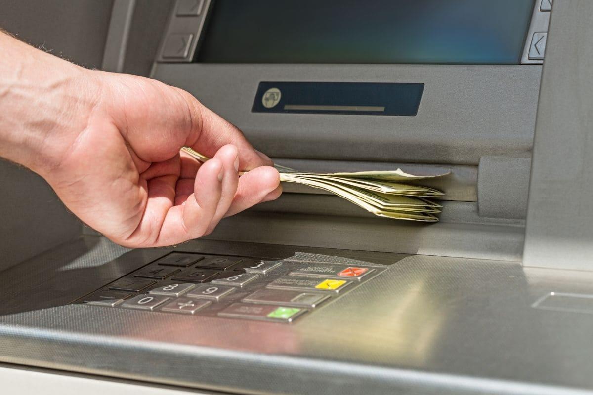 ハイローオーストラリアへ銀行振込の入金は最後の手段