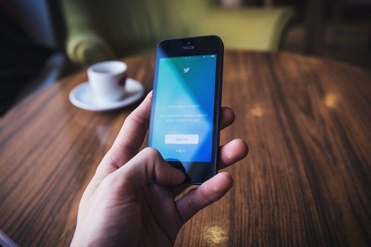 ハイローオーストラリア攻略に役立つTwitterアカウント3選