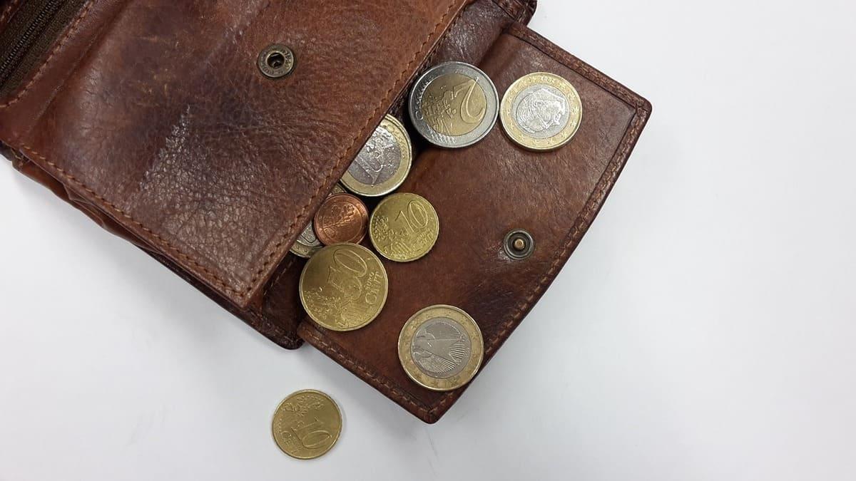 ハイローオーストラリアの自動売買ツールとか金の無駄