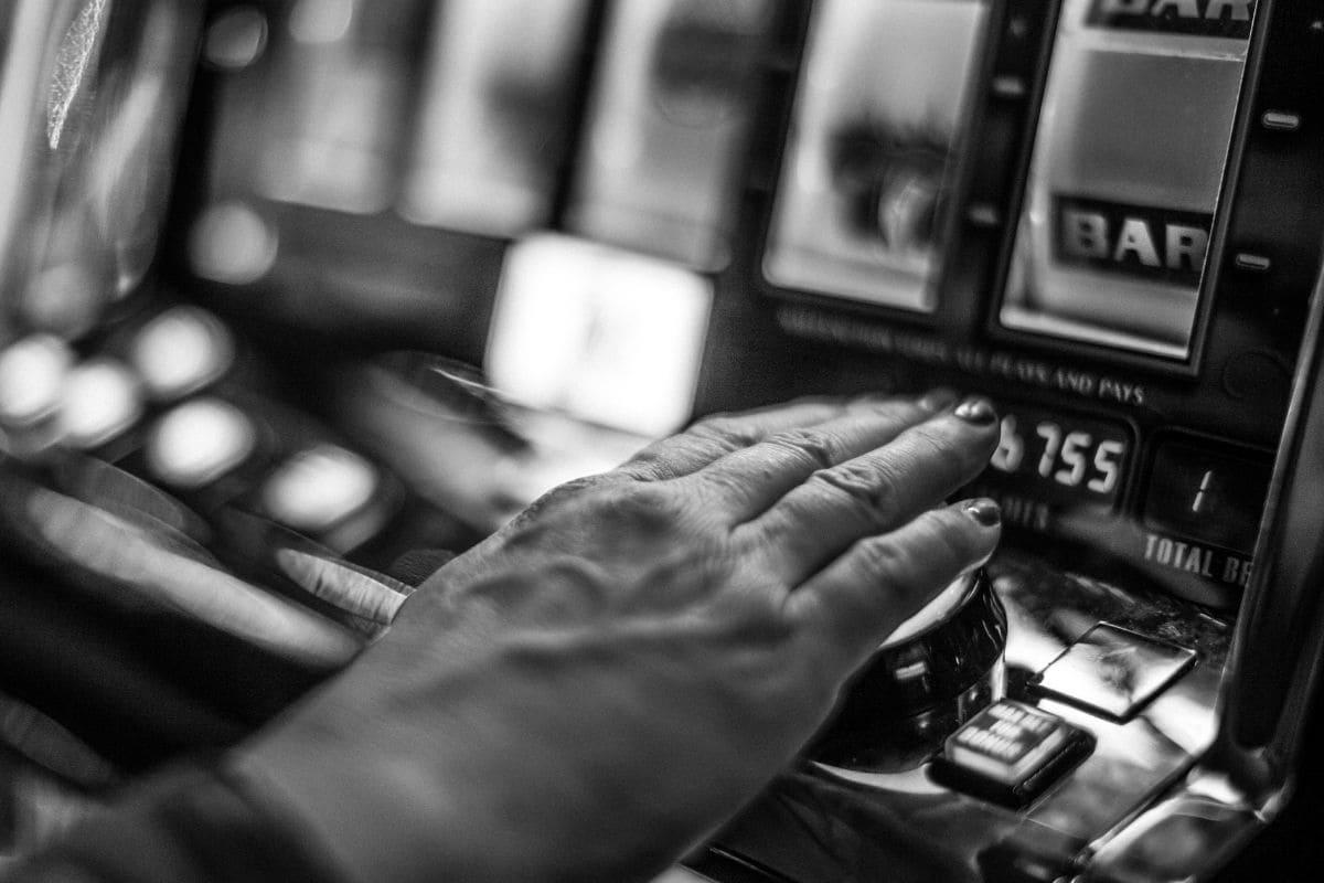 バイナリーオプションのギャンブル化を避ける方法