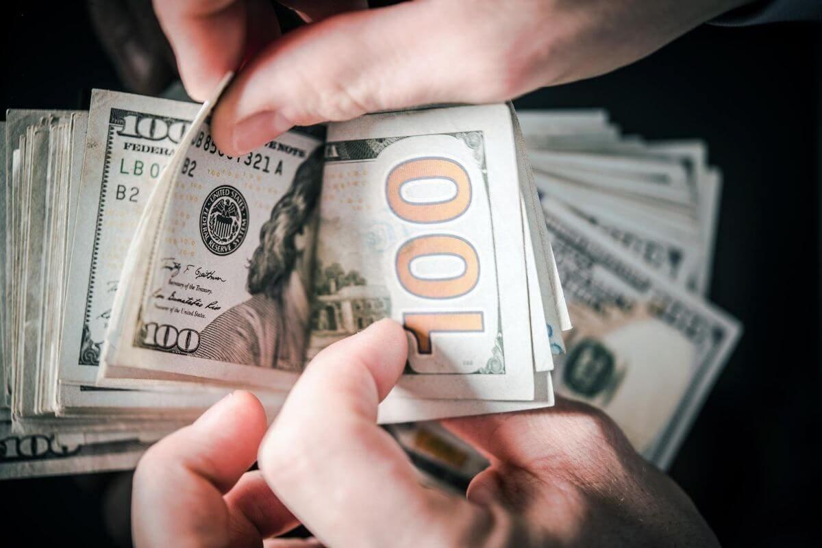 バイナリーオプションで稼ぐ人はオンラインカジノよりも多い