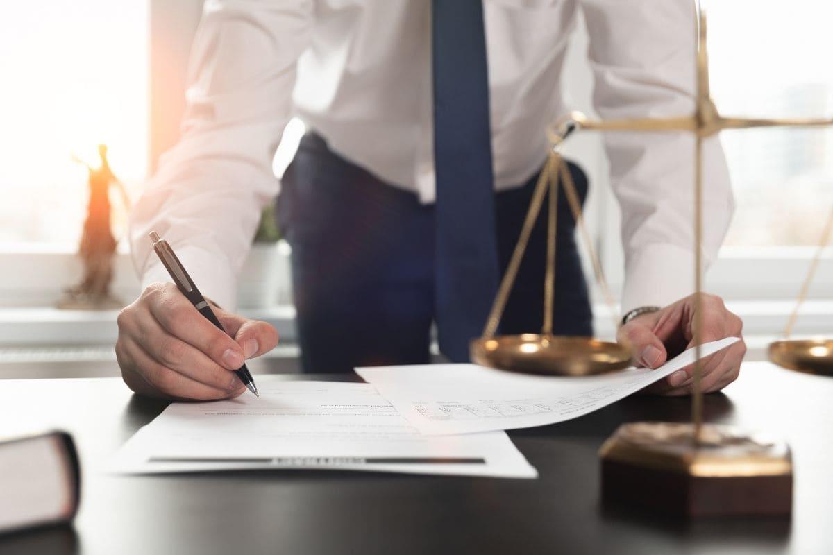 バイナリーオプション詐欺の被害額は弁護士が取り戻してくれます