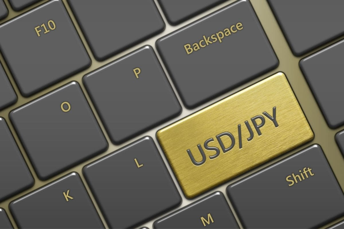 安定した通貨ペア「USD/JPY」を選ぶ